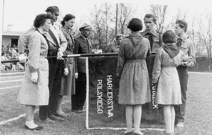 Niepodległość harcerstwem znaczona 100. rocznica powstania Związku Harcerstwa Polskiego